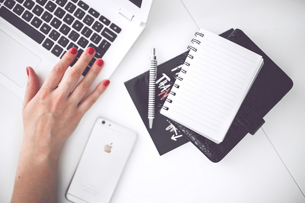 writing_notebook_laptop